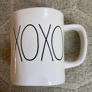 Rae Dunn XOXO Mug